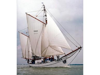 Historisch schip blijft in haven Volendam