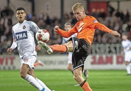 FC Volendam zeer effectief in vissersderby [video]