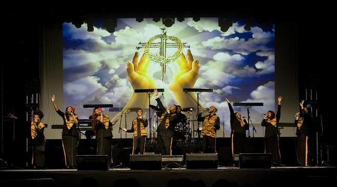Harlem Gospel Choir naar Philharmonie met 'happy music'[video]
