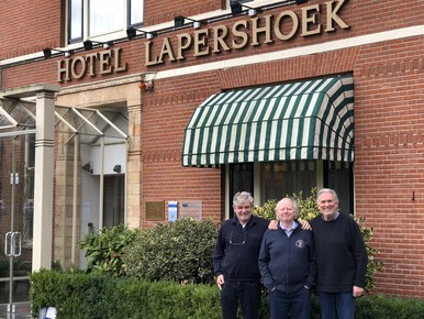 Ad Bouman, Bert Verweij en Juul Geleick voor Hotel Lapershoek.