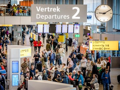 Deal voor beveiligers Schiphol, staking van de baan