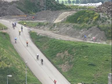 Mountainbiken op de vuilnisbelt