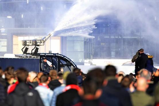 Onderzoek naar politieoptreden bij Ajax-Juventus