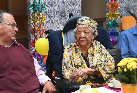 Honderdjarige Badhoevedorpse uit Suriname geeft groot feest voor alle familie en bekenden