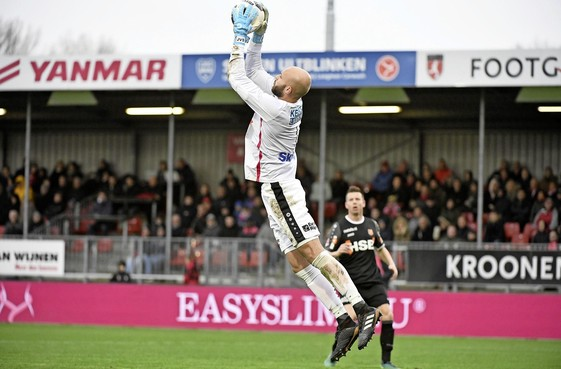 Bristol Rovers strikt FC Volendam-keeper Jordi van Stappershoef