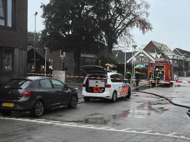 Brand bij brandweer Aarlanderveen door blikseminslag