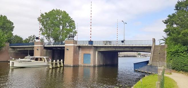 Koningin Julianabrug in Katwijk tien maanden dicht