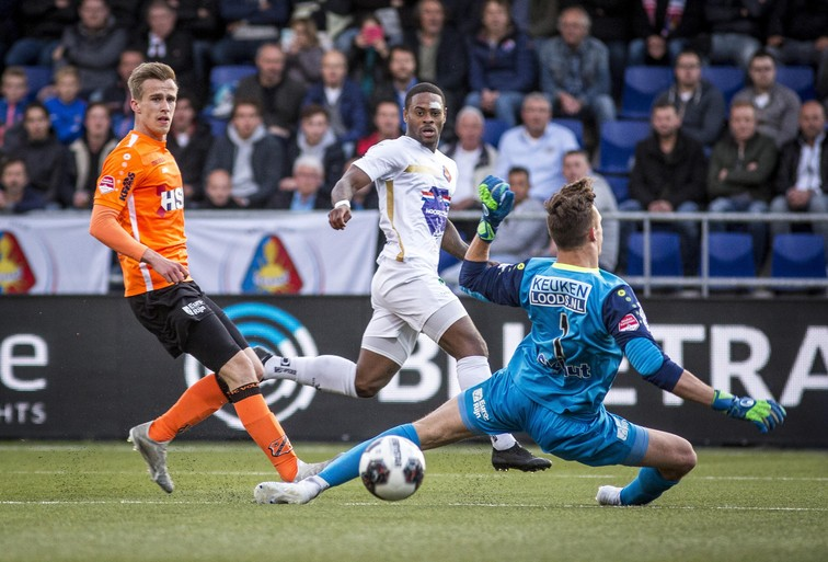 Telstar te slordig in vissersderby tegen Volendam [video]
