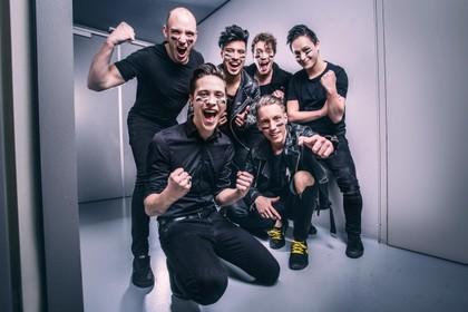 Twee stoelen draaien voor Hilversumse Daredevils in The Voice of Holland: band kiest voor Team Waylon [audio]