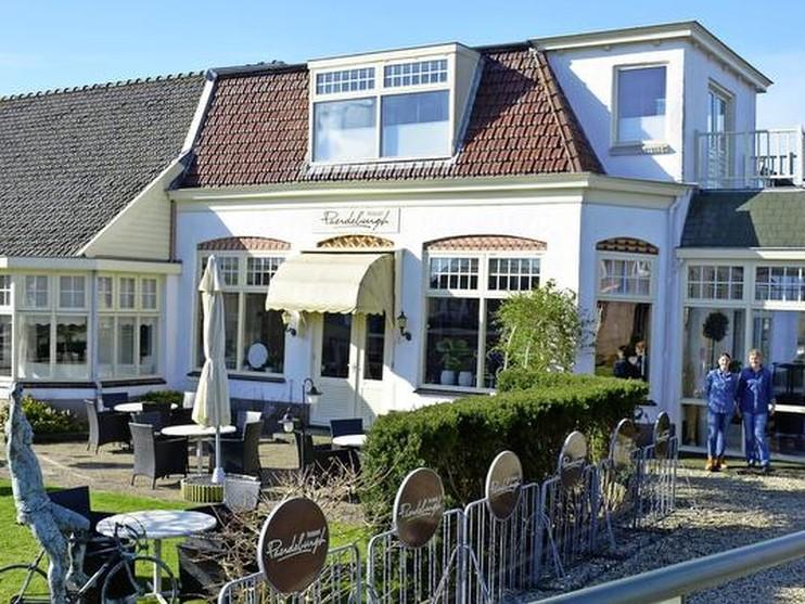 Paerdeburgh in Rijpwetering verder als grand café - Leidsch Dagblad (persbericht) (Registratie)
