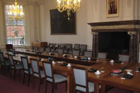 Politiek Plein in Weesp: gemeente geeft insprekers les over inspreken