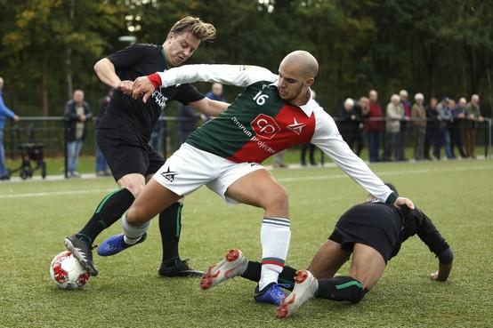Strafschopmomenten helpen FC Hilversum aan benauwde zege in derby tegen Olympia '25