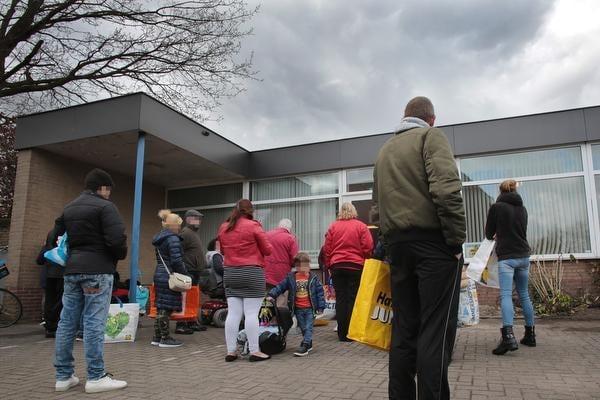 'Hilversumse Voedselbank is onze redding, de keukenkast zat nog nooit zo vol'