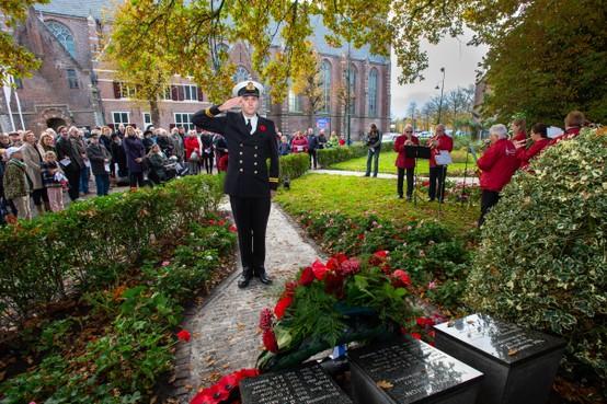 Monnickendam herdenkt Britse oorlogsslachtoffers
