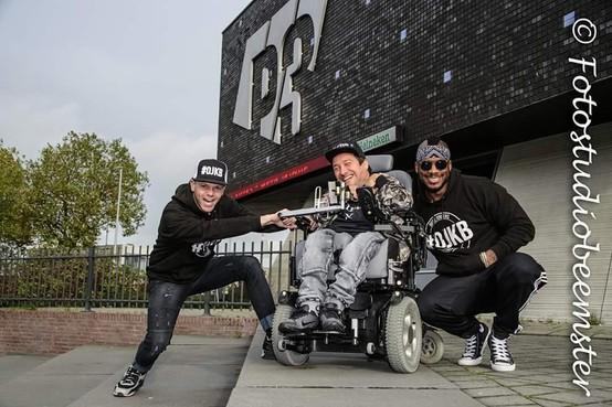 Groot dansfeest voor gehandicapten in P3: 'Ze maken wheelies in hun rolstoel en schudden met hun billen'