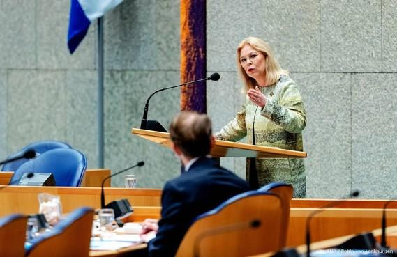 Kamer: helder misdaadcijfers asielzoekers op