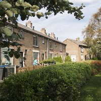 De woningen aan de zuidkant van het dorp