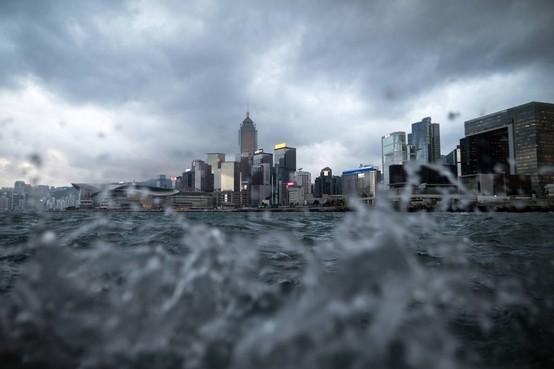 Hongkong bereidt zich voor op supertyfoon