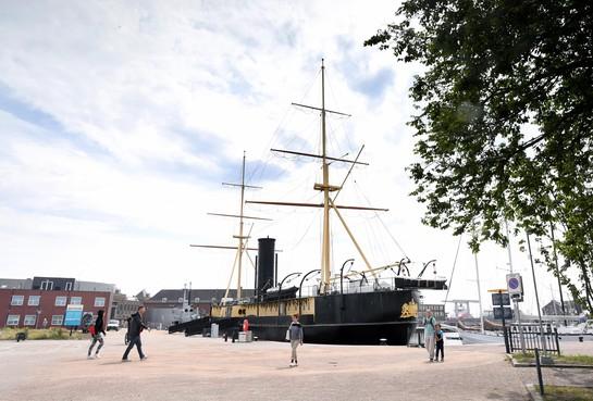 Museumschepen terug op hun oude plek in Den Helder