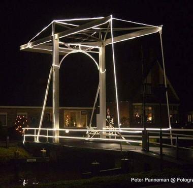 Ophaalbrug in Huizen krijgt verlichting