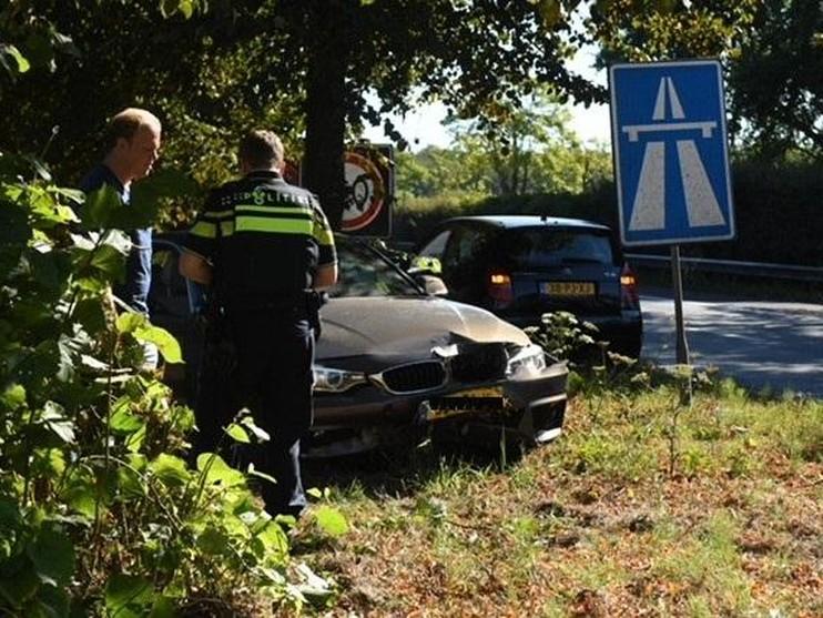 Twee gewonden bij botsing op N44 in Wassenaar