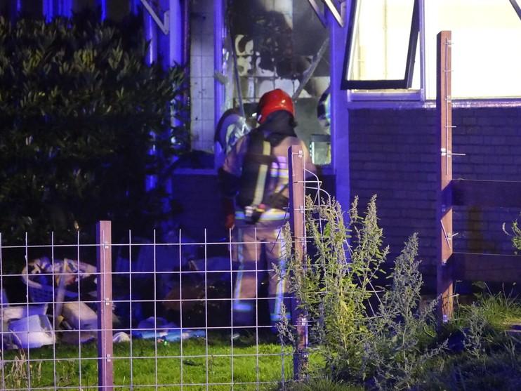 Veel rook bij brand in wooncentrum de Amandelbloesem in Wormerveer, pand ontruimd [update & video]