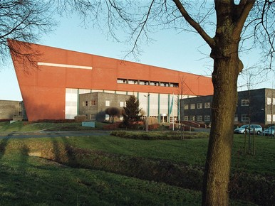 Het hoofdkantoor van PWN in Velserbroek.