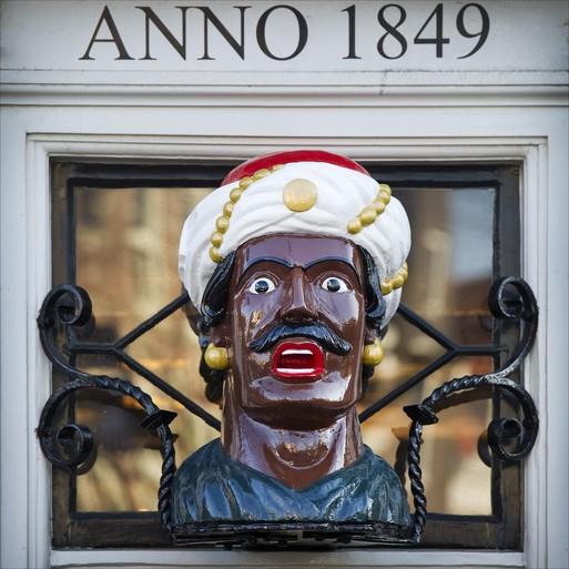 Hij is terug: de gaper van drogist Van der Pigge in Haarlem. In een nieuwe kleur [videoreportage]