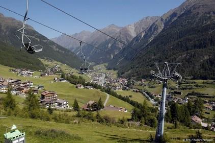 Vliegtuigje stort neer in Alpen