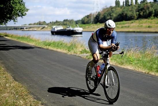 Uiteindelijk is de Ironman er dan toch: 1250 deelnemers van start tijdens Multisport Festival Westfriesland