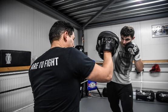 Boksers Team Vargas halen tijdens Dare to Fight VII geld op voor het goede doel