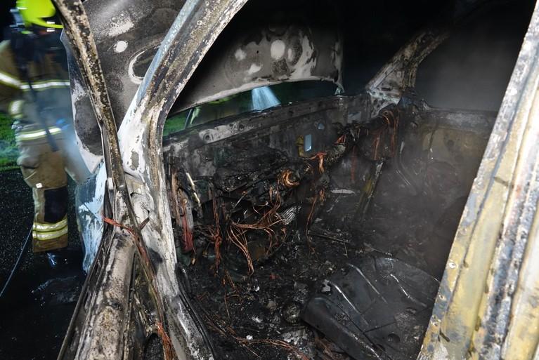 Busje gaat verloren bij brand in Hoorn