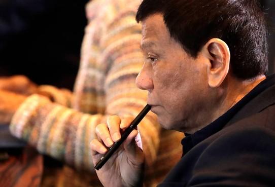 Duterte gaat tekeer tegen bisschoppen