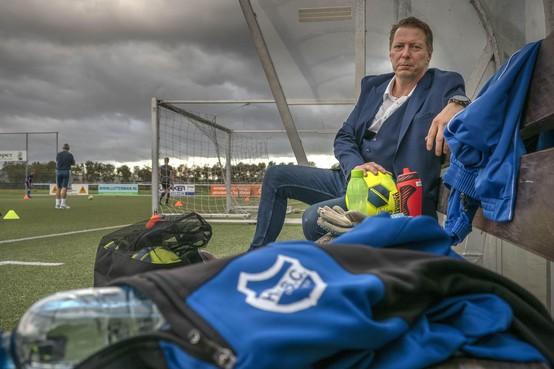 Dirk Koorn, de voorzitter met blauw-wit hart, hoopt bij HCSC dat viskar weer in bedrijf gaat