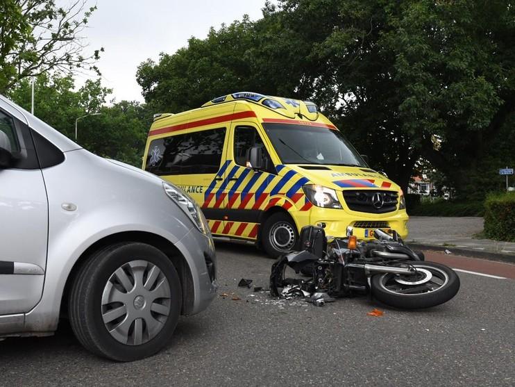 Motorrijder gewond bij botsing in Voorschoten