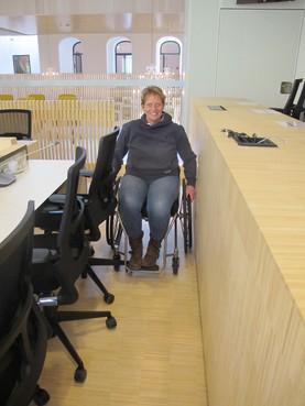 Gemeentehuis Bloemendaal voor mindervaliden nog niet op orde