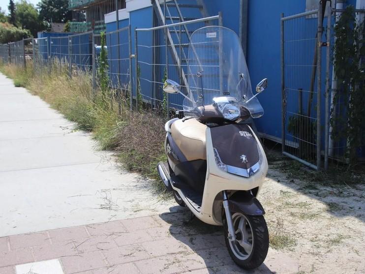 Scooterrijders gebotst in Voorhout, Teylingerdreef afgesloten