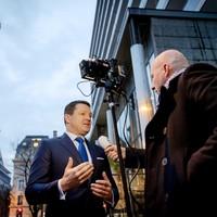 Pieter Elbers, CEO van KLM, staat de pers te woord voorafgaand aan de persconferentie van de jaarcijfers 2016 van Air France KLM. 9994