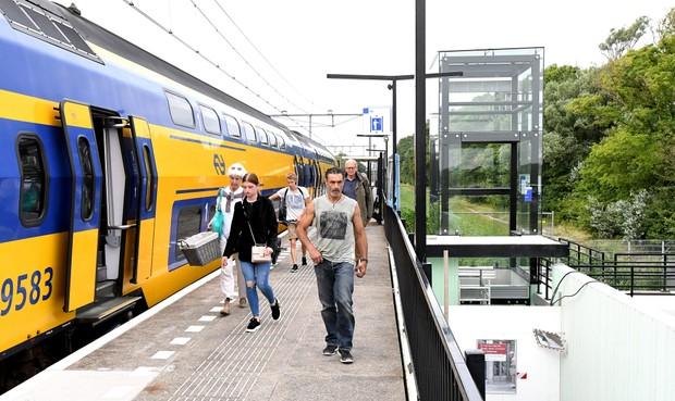 Slecht ter been? De liften op station Den Helder Zuid zijn pas dit najaar gereed
