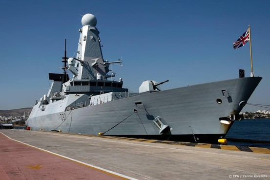 Britten sturen nog een oorlogsbodem naar Golf