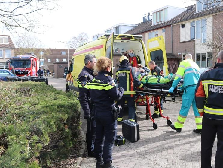 Man raakt bekneld bij uitladen vrachtwagen in Voorhout