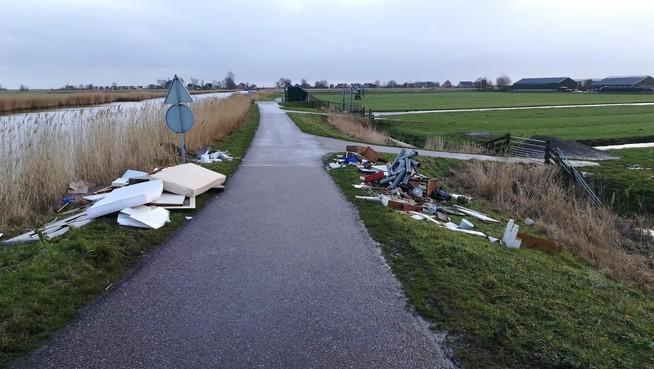 Daders illegale dumping in Warder en Schardam blijven onbekend