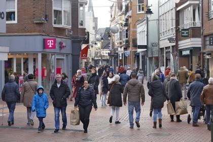Pleidooi voor het verhuizen van winkels van de centrumrand naar hartje Hilversum: 'Hopelijk vanaf volgend jaar verhuispremie als steuntje in de rug'