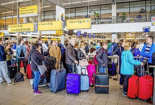 Opnieuw hete zomer voor Schiphol: 'Vertragingen niet te vermijden'