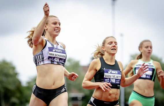 Van Schagen uit Overveen sprint naar het goud op de 200 meter bij het NK atletiek