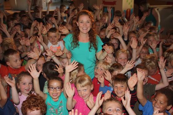 Megakinderkoor in Castricum zingt voor het goede doel, droom van opa Herman voor zieke kleindochter