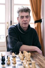 Douwe 'Sauw' Buwalda keert zich tegen grafietregens in zijn Wijk aan Zee: 'Ik heb een ietwat dwars karakter'