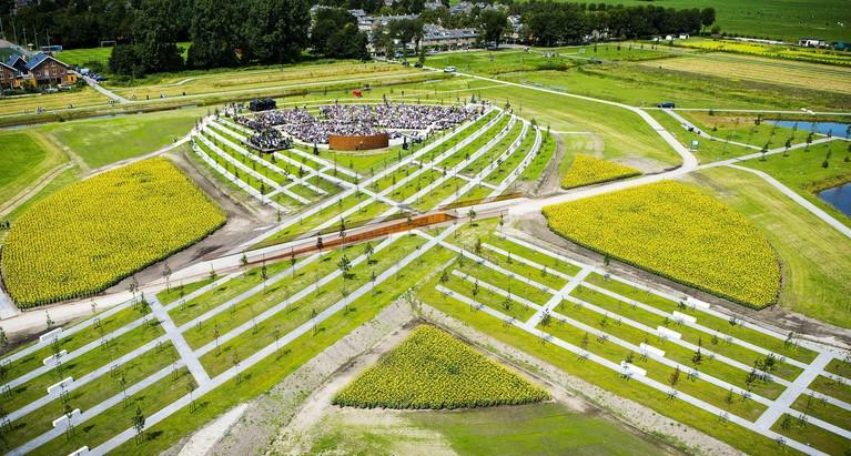 Eerste MH17-herdenking bij Nationaal Monument Vijfhuizen