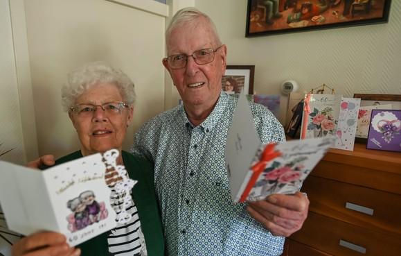 Gerard en Eekje Weverink uit Andijk tellen al zestig jaar samen hun zegeningen: 'Kop ervoor en de toekomst weer in'