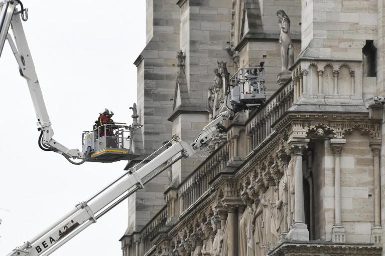 Noordwijkse architect Bart Akkerhuis moest huis verlaten vanwege brandende Notre-Dame [video]
